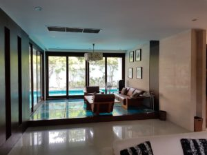 Unique House in the Midst of Asoke